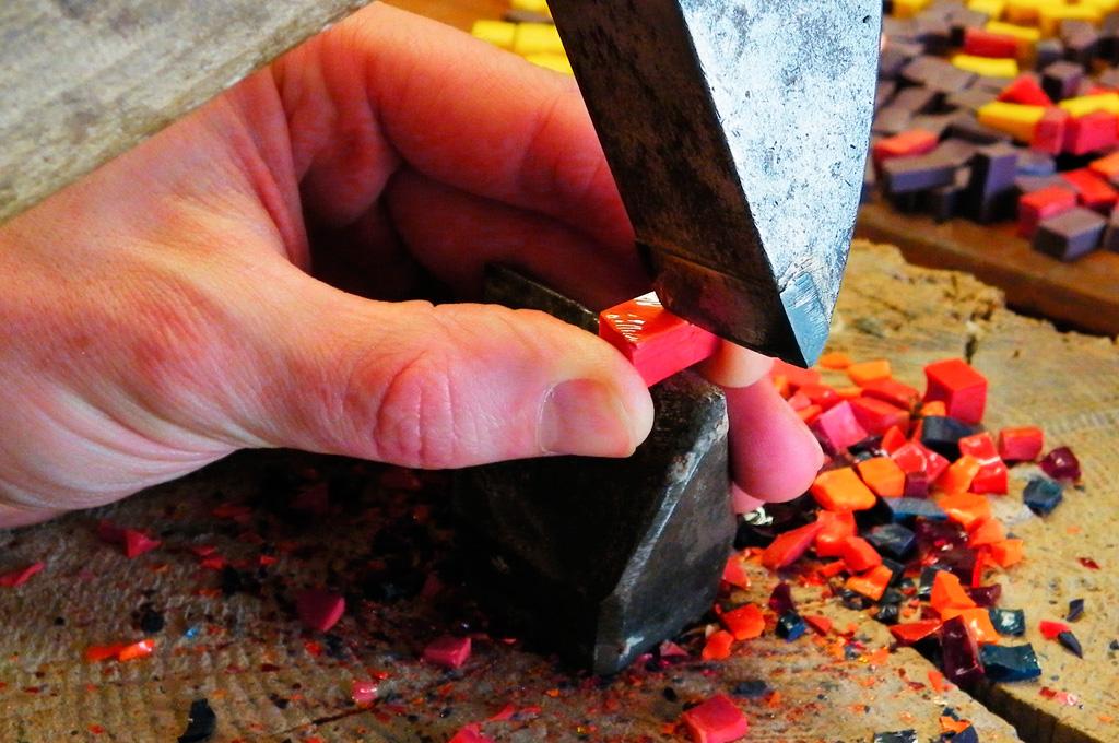 taglio tessere mosaico artistico