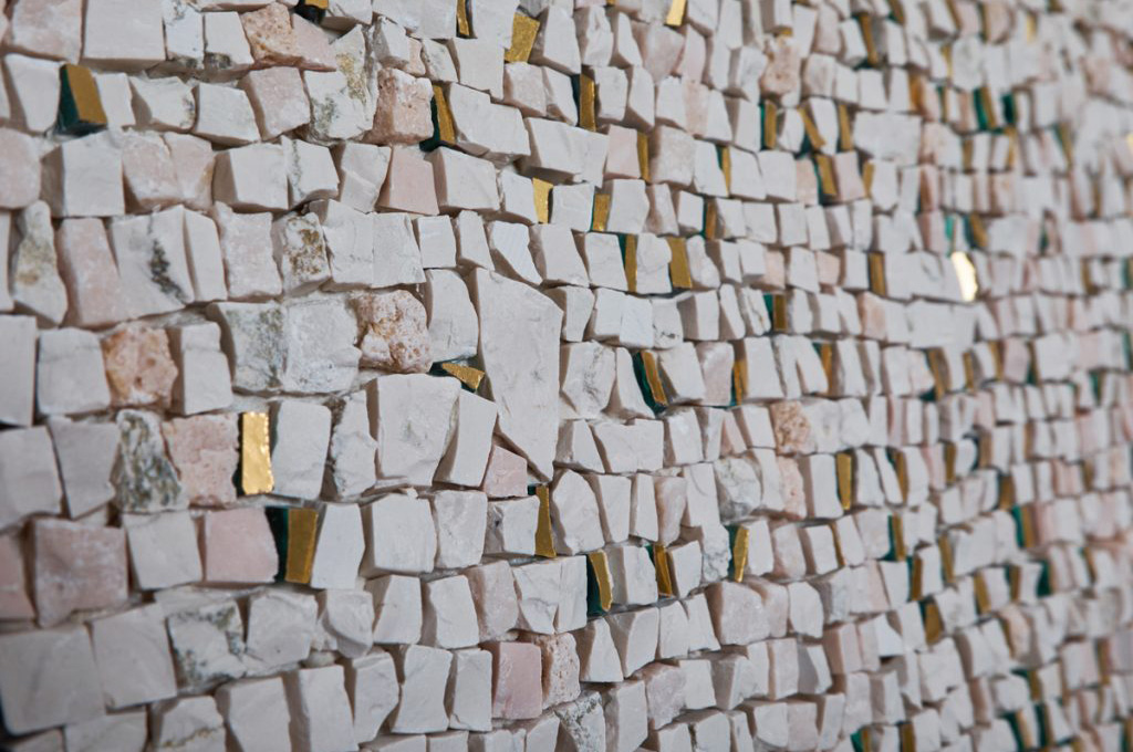 levitazione particolare mosaico oro marmi